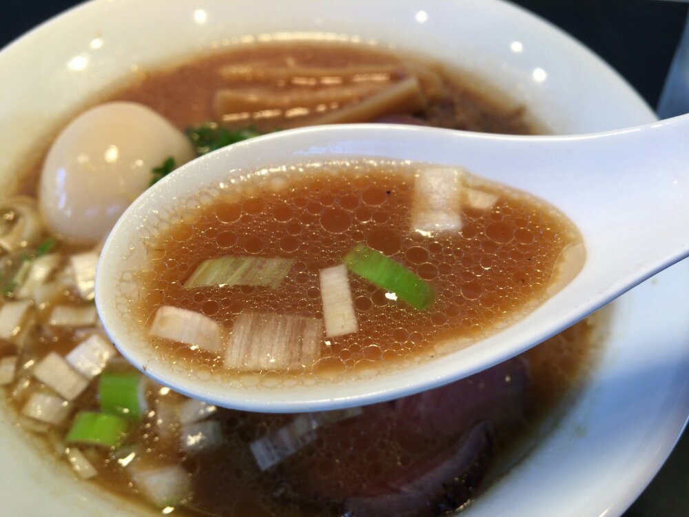 牛そばのスープ