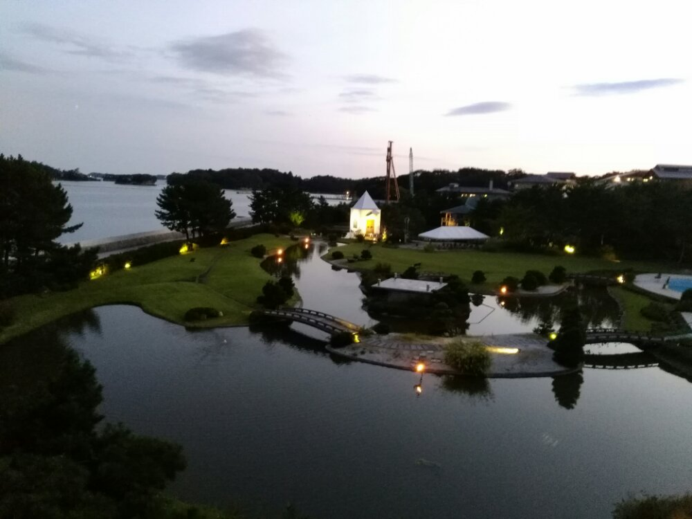 松島温泉 湯元一の坊の水上庭園の夜景