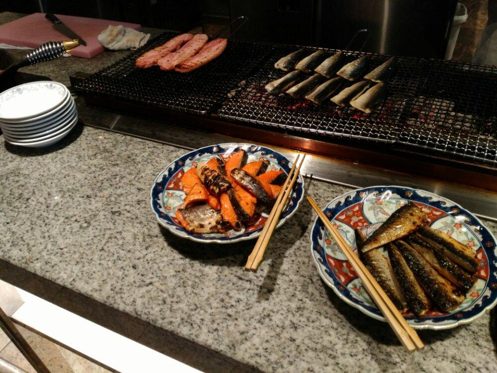 松島温泉 湯元一の坊の朝食(ベーコンと焼魚)