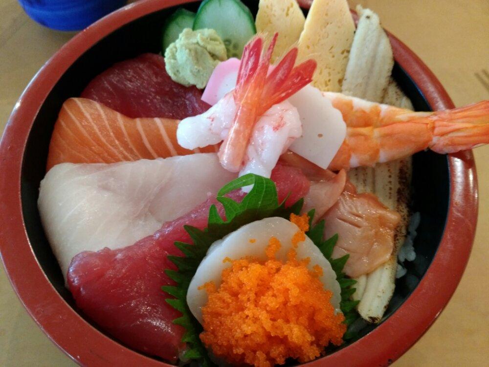 廻鮮寿司 塩釜港の海鮮丼