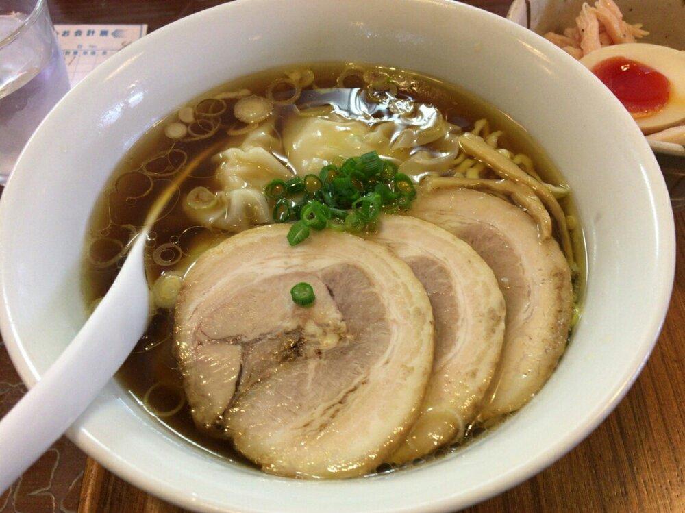三福のえびワンタン麺